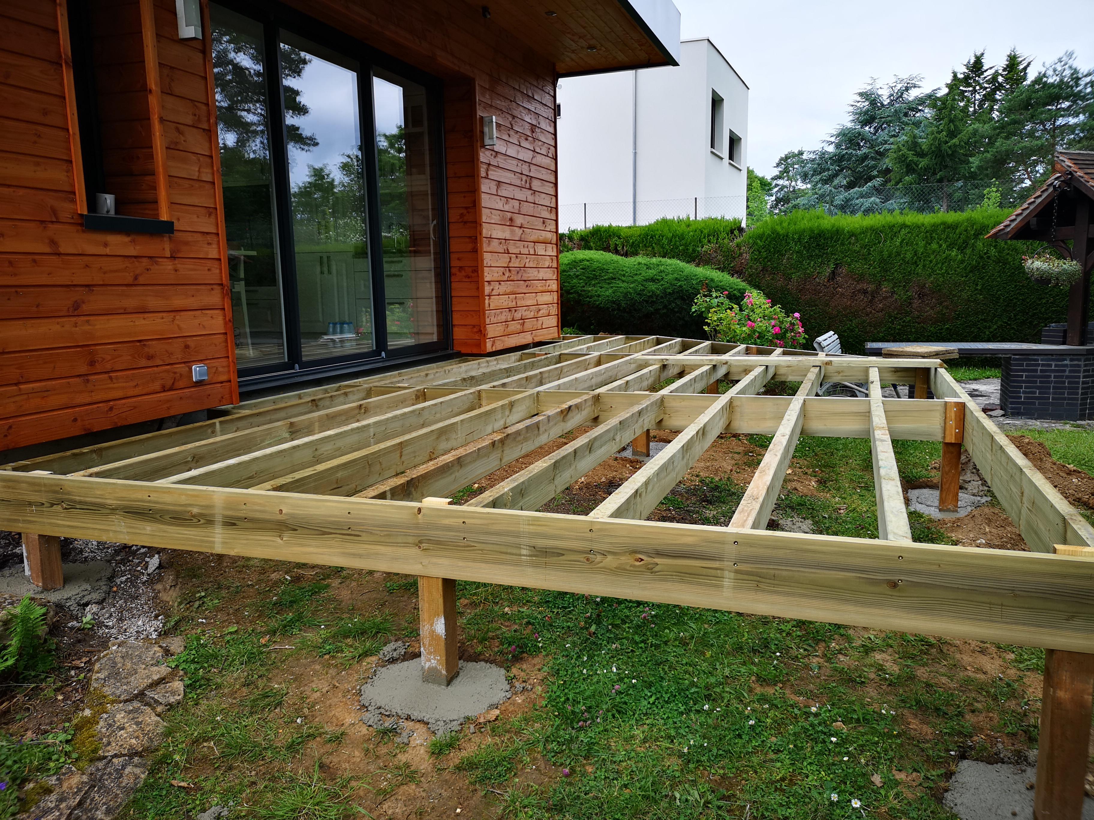 Construire Terrasse En Bois terrasse bois douglas bois le roi - technobat construction